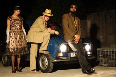 O trío de música e humor 'Cabraret' actúa na Casa da Lectura