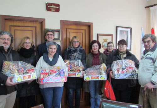 """O Concello da Guarda agasalla ás asociacións que participaron na campaña """"Decora o teu Nadal"""""""