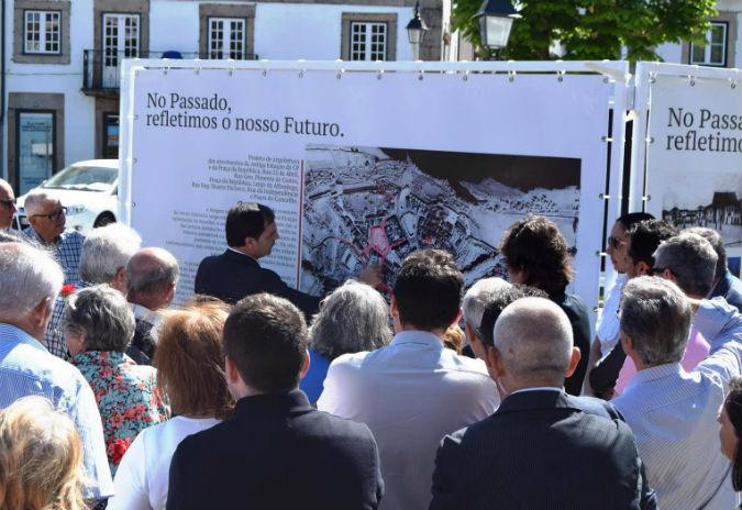 Monçao mostrou o futuro do centro histórico em seis painéis localizados na Praça Deu-la-Deu