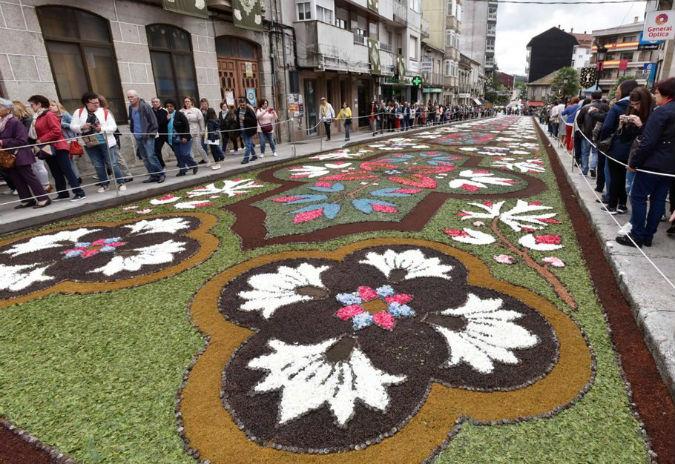 As alfombras de Ponteareas superan o récord de asistencia