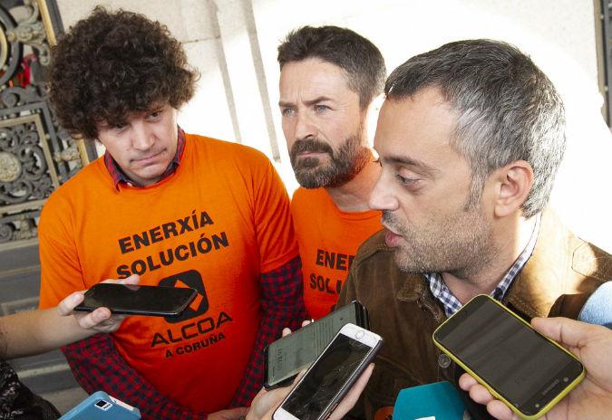 O concello de A Coruña organiza unha concentración en apoio ao persoal de Alcoa