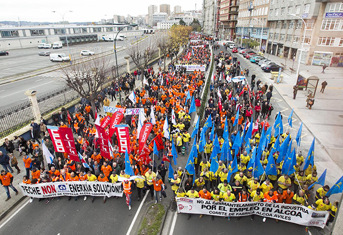 3.500 persoas participan na manifestación en apoio aos traballadores e traballadoras de Alcoa