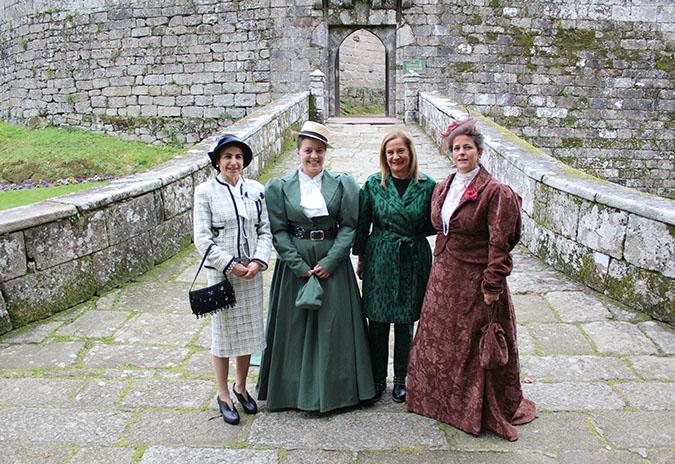Continúan as visitas caracterizadas ao Castelo de Soutomaior