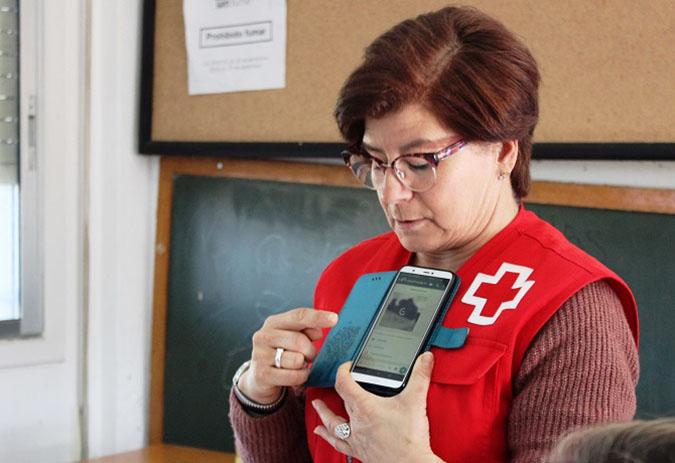 O Concello de Carballo pon en marcha por segundo ano cursos para aprender a usar os teléfonos móbiles