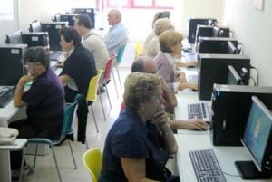 A aula CeMIT do Porriño prosegue cos cursos de alfabetización dixital