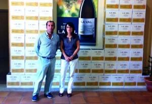 A Concelleria de Emprego e Formación de Salceda firma un convenio con Bodegas La Val