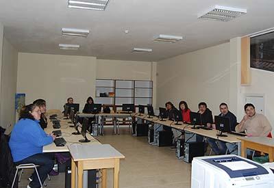 Sesión informativa no CDL O Torrón, para explicar o funcionamento da nova Aula Mentor