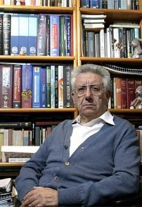 O médico e académico García Barreno disertou na Casa de Galicia sobre o uso da linguaxe na medicina