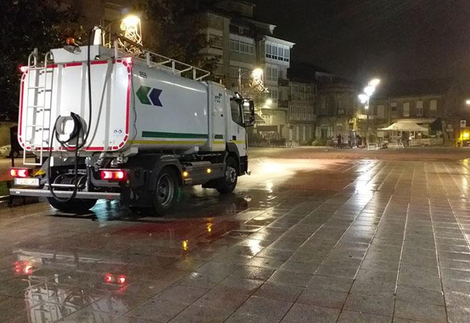 O Concello de Ponteareas desinfecta rúas e espazos públicos a diario