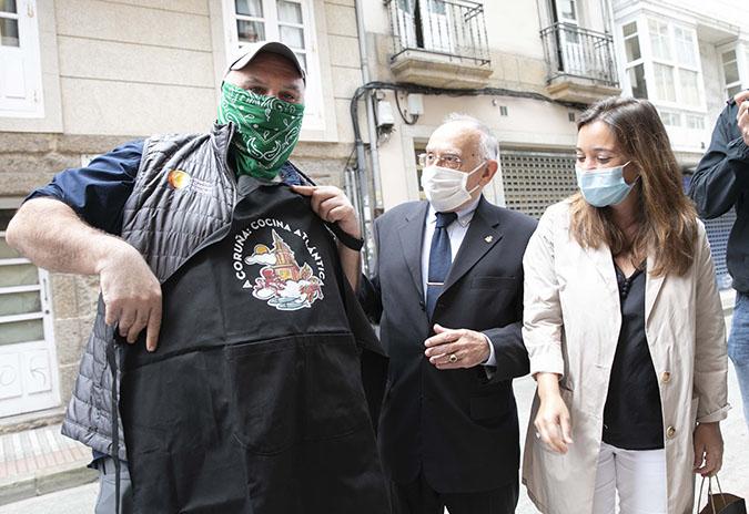 Inés Rey e o chef José Andrés destacan o compromiso social da Coruña durante a pandemia