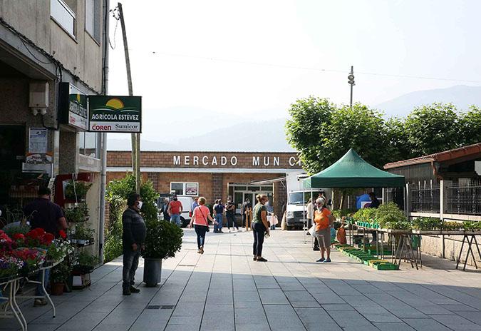 O Mercadillo Municipal de Arbo retoma a súa actividade