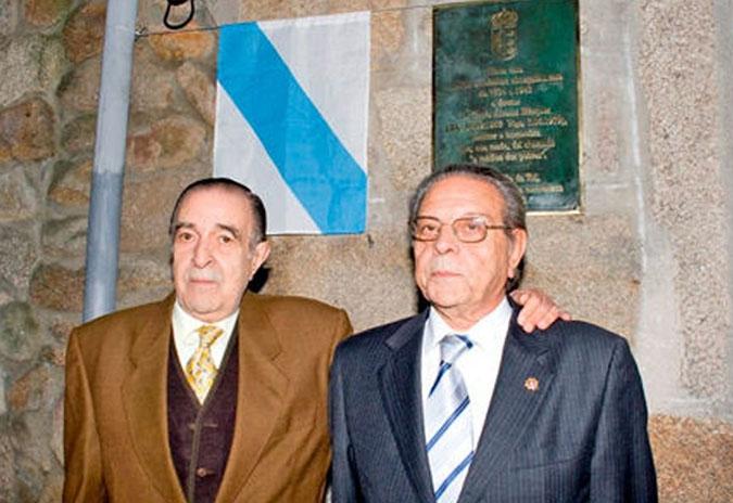 """Inaugurada en Tui a exposición antolóxica de Darío Álvarez Gándara """"Amenceu outra vez""""."""