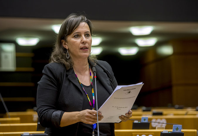 Ana Miranda urxe a solucionar os problemas co voto exterior para garantir os dereitos democráticos todo o electorado