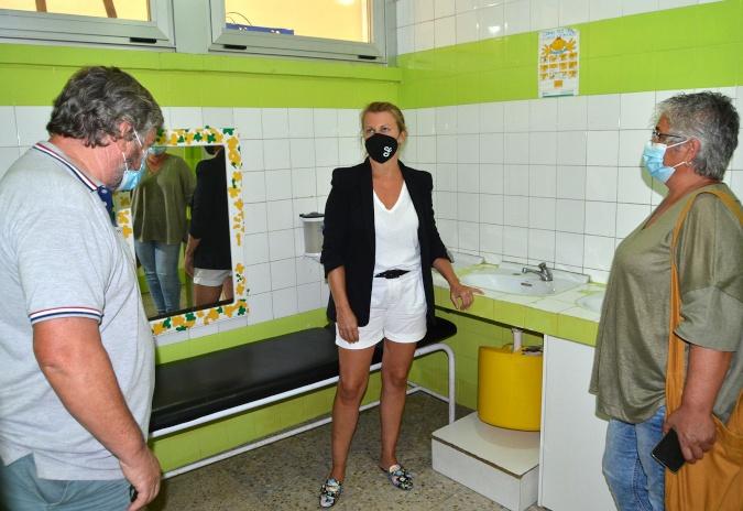 Salceda úrxelle á Xunta a renovación dos baños do colexio Altamira