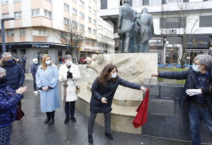 Concello da Coruña reinstala o Monumento aos Liberais na praza das Conchiñas