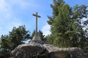 A memoria do país pide a retirada da cruz falanxista de Celanova