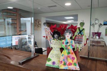 Versos, figuras de papel e música para conmemorar o Día de Rosalía no Rosal