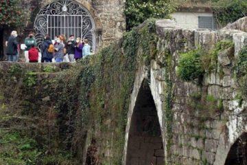 Alumnado do CIFP A Granxa asistíu a unha visita guiada polo patrimonio cultural do río Tea