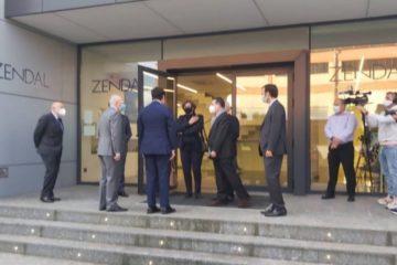 Alcaldesa do Porriño recibiu á ministra de Sanidade nas instalacións do Grupo Zendal