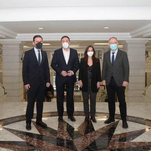 Deputación reforza as axudas á hostalería e comercio local da Coruña, Ferrol e Santiago