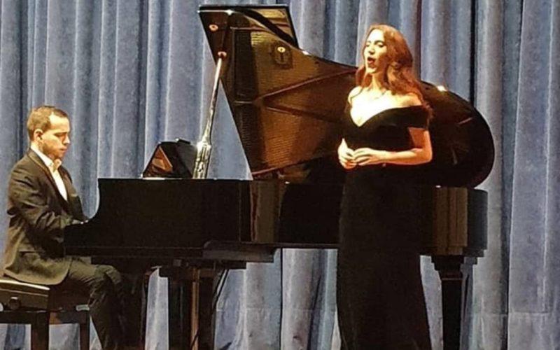A soprano Sara López ofreceu un recital lírico en Sober