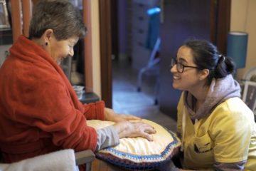 Persoal do Servizo de Axuda no Fogar de Tomiño recibe a primeira dose da vacina contra a Covid-19