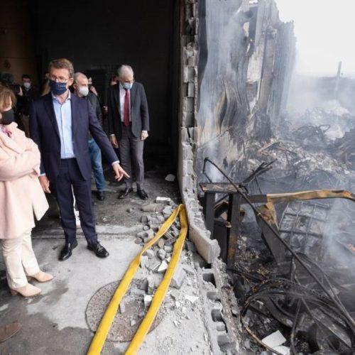 Feijóo visita as empresas afectadas polo incendio do polígono do Ceao en Lugo