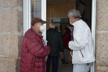 Avalancha de veciños para informarse da revisión catastral en Mos