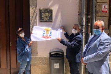 Monforte sinaliza a súa xudería coa colocación da placa oficial