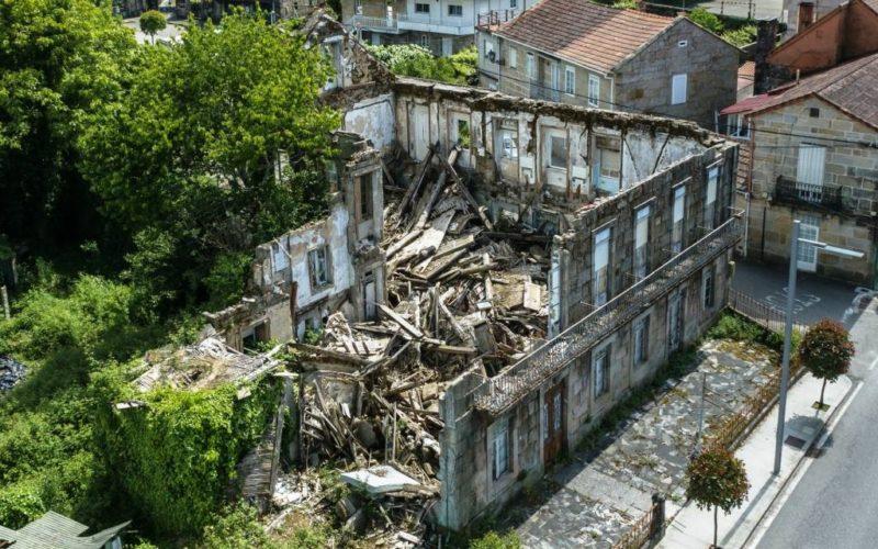 """Plataforma SOS Fonte de Troncoso denuncia """"silencio administrativo"""" sobre o estado do Hotel Roma"""
