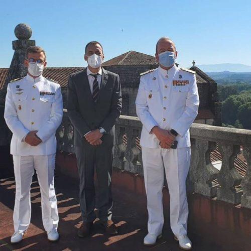 O alcalde de Tui recibiu ao novo comandante naval do Miño