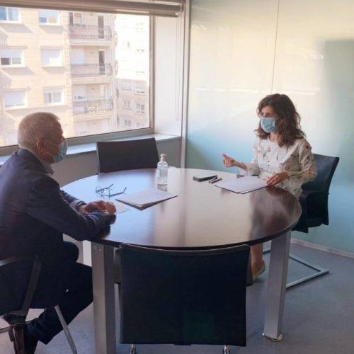 Oia e Vigo buscan fórmulas para mellorar a asistencia sanitaria