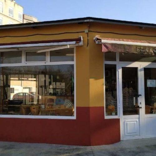 O Parque das Pombas en Ponteareas recupera a súa cafetería