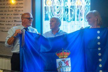 José Luis Martínez-Almeida e Pablo Junceda, insignias de ouro do Día de Galicia en Oviedo