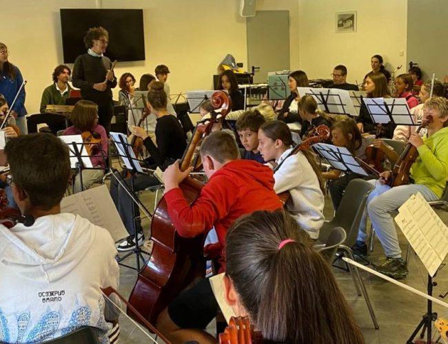 """Dous músicos de Tomiño participan no 2º Encontro Transnacional """"Play2Grow"""" en Italia"""