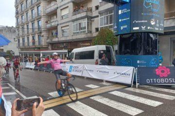 Fran Agea triunfa en Ponteareas na segunda etapa da Volta Ciclista a Galicia